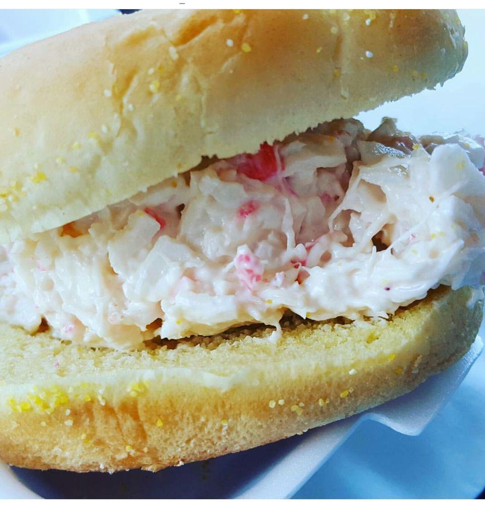 Lobster Bros Seafood: 26055 Detroit Rd, Westlake, OH