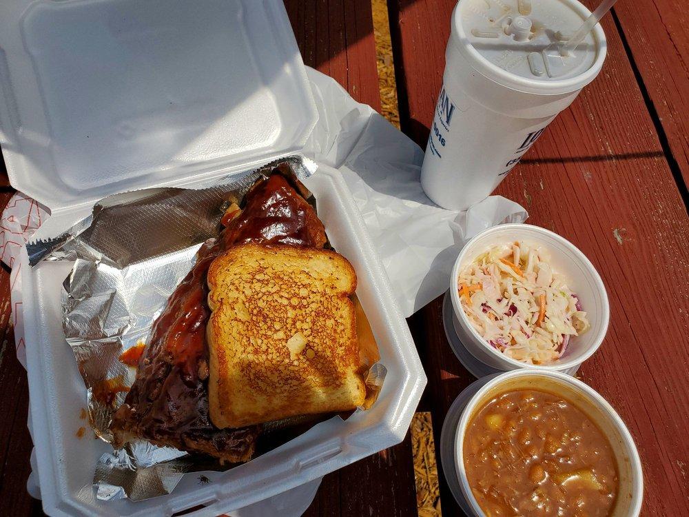 Ron's Roadside Grille: 3220 US 41, Brooksville, FL