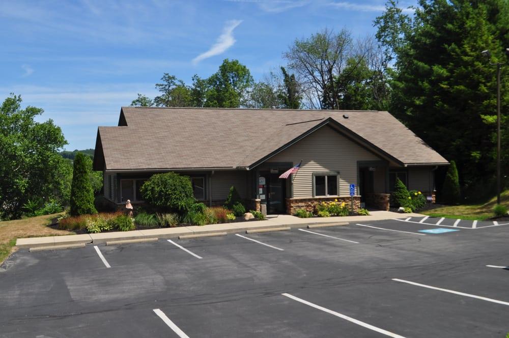 Bakerstown Animal Hospital Inc: 5814 William Flynn Hwy, Bakerstown, PA