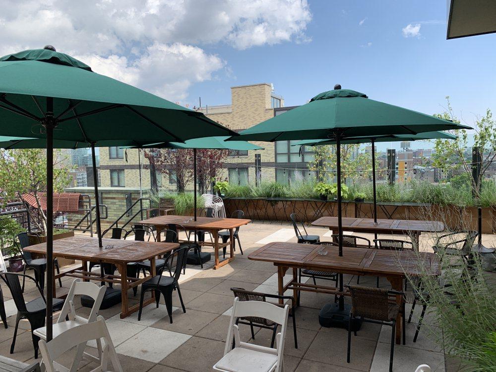 Leaf Bar & Lounge: 133-42 39th Ave, Flushing, NY