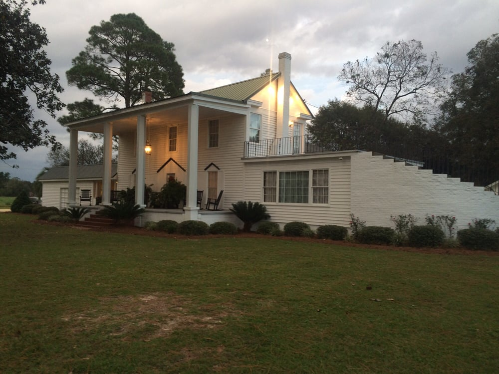 The Parrish House: 1401 S Hutchinson Ave, Adel, GA