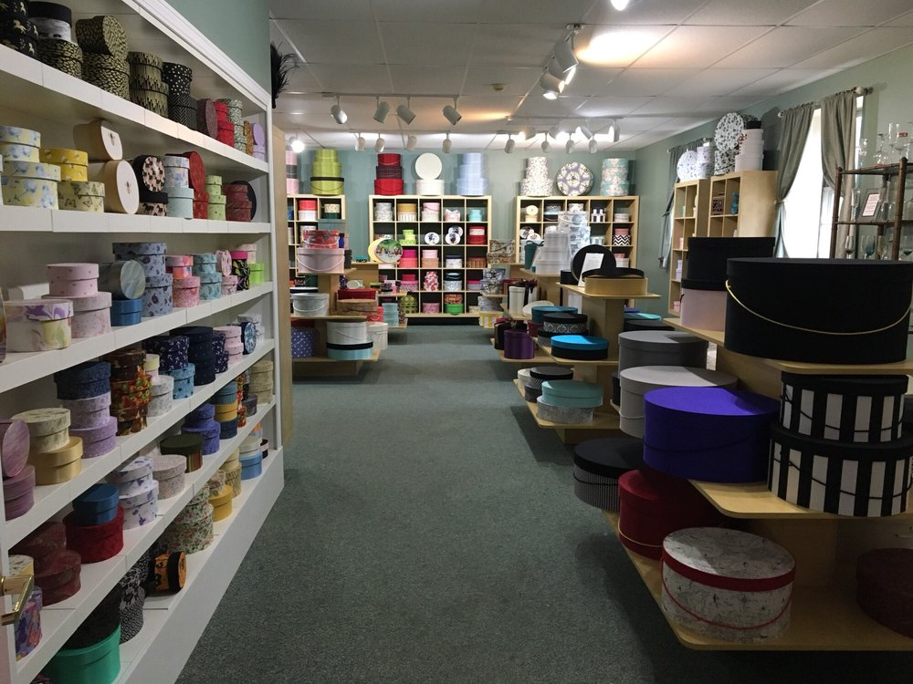 Sarah's Hat Boxes: 141 Forest Rd, Hancock, NH