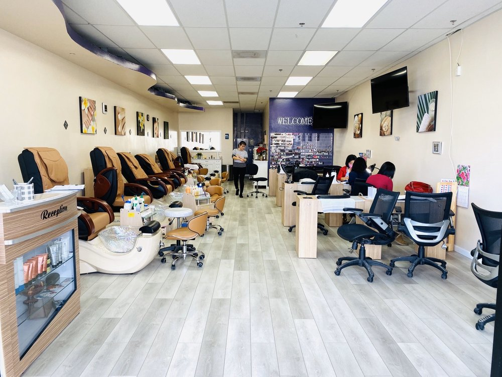 Pro-File Nails and Spa: 1801 E Gibson Rd, Woodland, CA