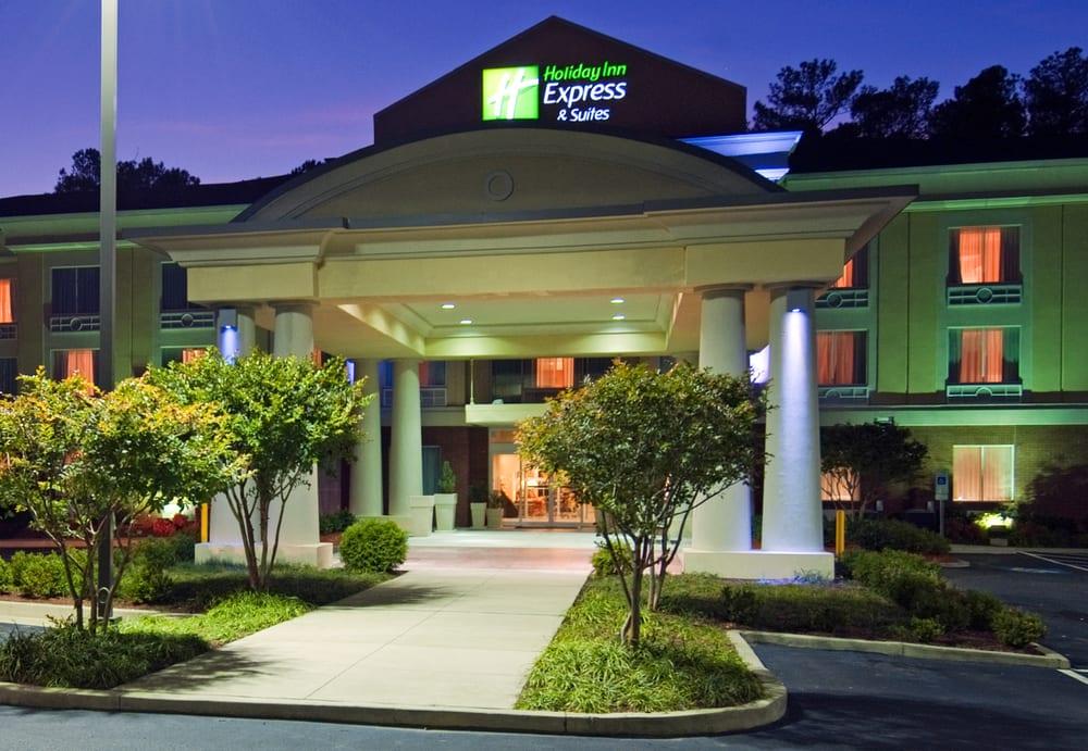 Holiday Inn Express & Suites Emporia: 1350 W Atlantic St, Emporia, VA