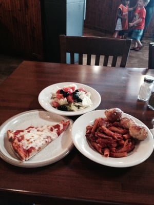 Luigi S Italian Restaurant Order Food Online 74 Photos