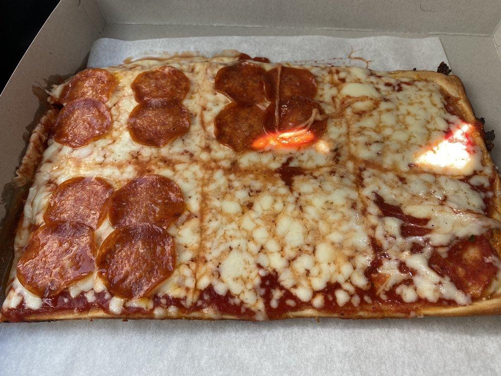 Jay's McDonald Pizza: 114 E Lincoln Ave, Mc Donald, PA