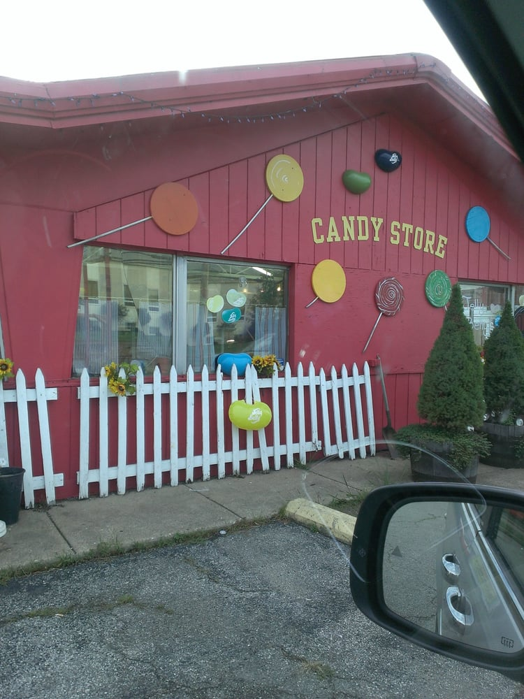Red Berry Garden Center: 3096 Hubbard Rd, Madison, OH