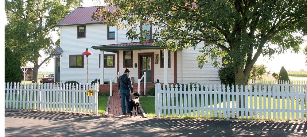 Monon Veterinary Clinic: 421 E State Rd 16, Monon, IN