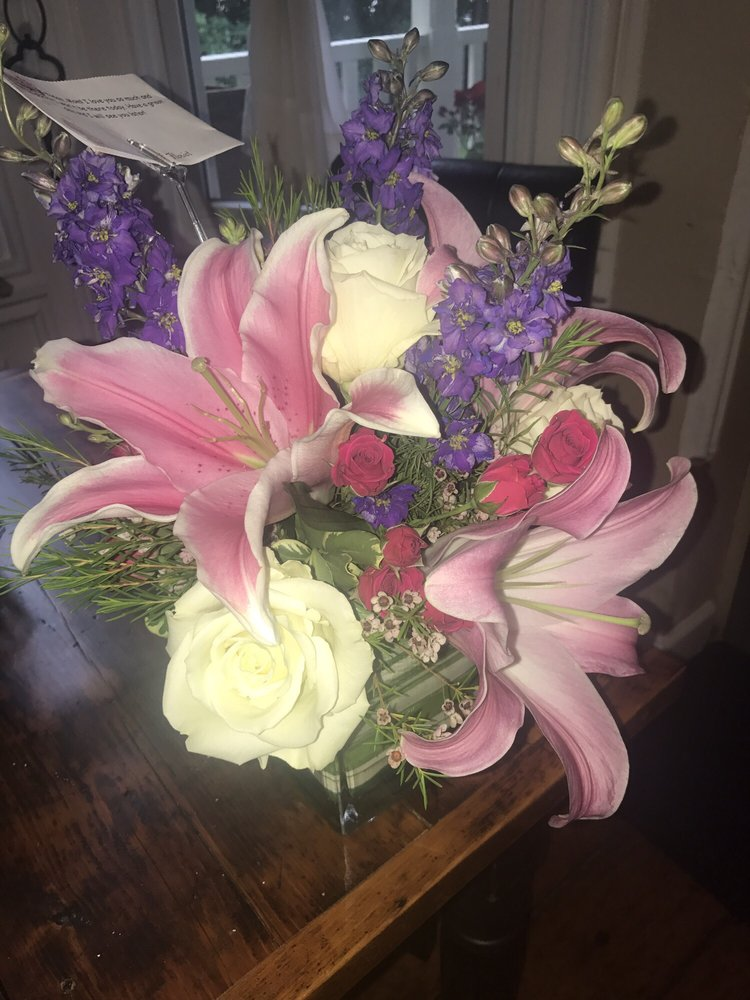 Merritt Florist: 275 Main St, Cornwall, NY