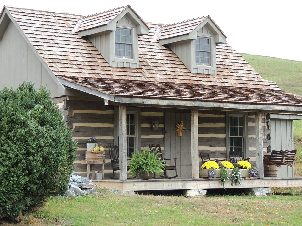 MeadowCroft Farm: 404 Glebe School Rd, Swoope, VA