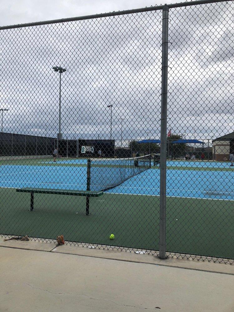 Anne-Marie Tennis Center