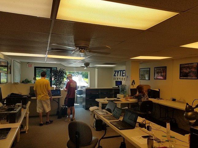 Zytek Services: 4262 Old Grand Ave, Gurnee, IL