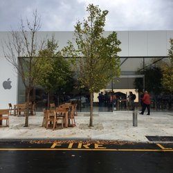 photo of apple store indianapolis in united states