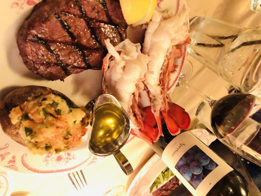 Sutter's Mill Restaurant: 3885 Cochran St, Simi Valley, CA