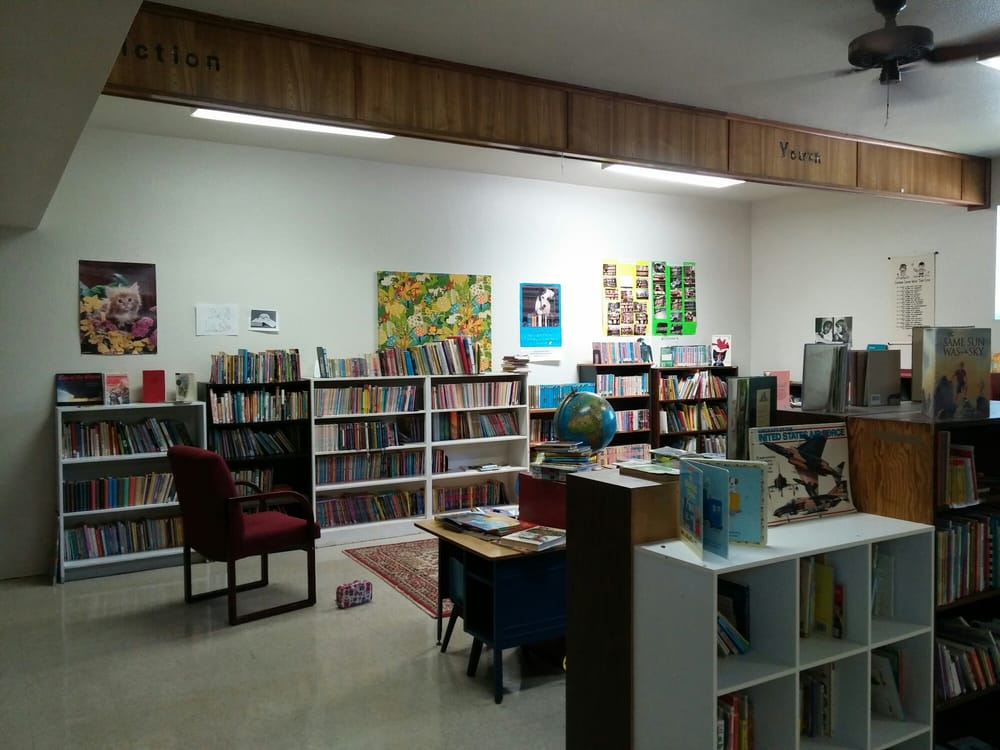 Manor Volunteer Library: 601 W Carrie Manor St, Manor, TX