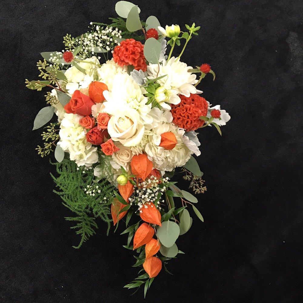Banda's Bouquets: Longview, WA