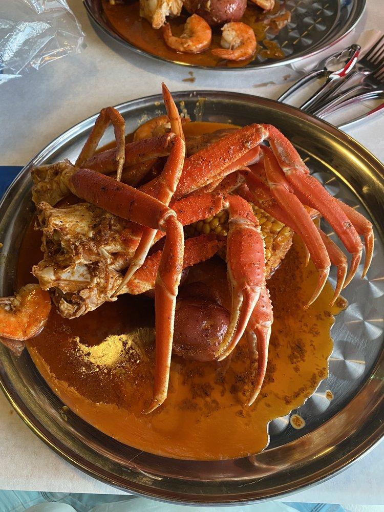 Red Crab: 2864 David Walker Dr, Eustis, FL