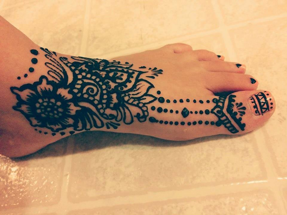 Henna Tattoo Chicago : Detailed foot henna tattoo to match sandals yelp