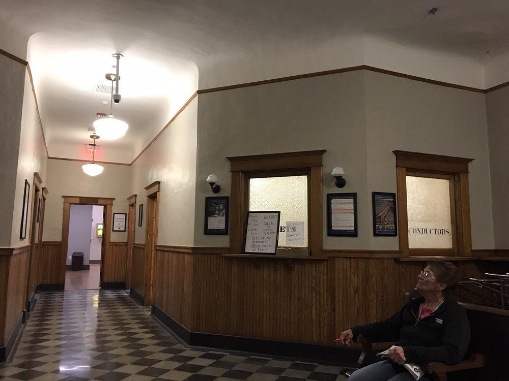 Amtrak: Main & East Clay St, Osceola, IA