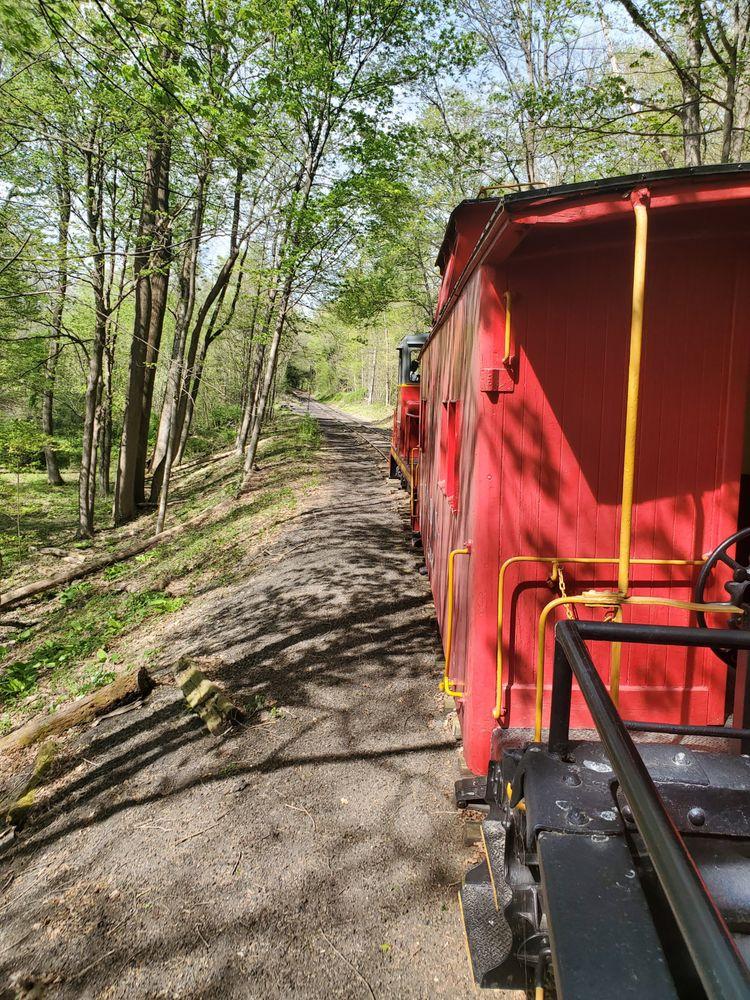 WK&S Railroad: 42 Community Center Dr, Kempton, PA