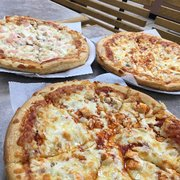 Singas Famous Pizza Order Food Online 36 Photos 49