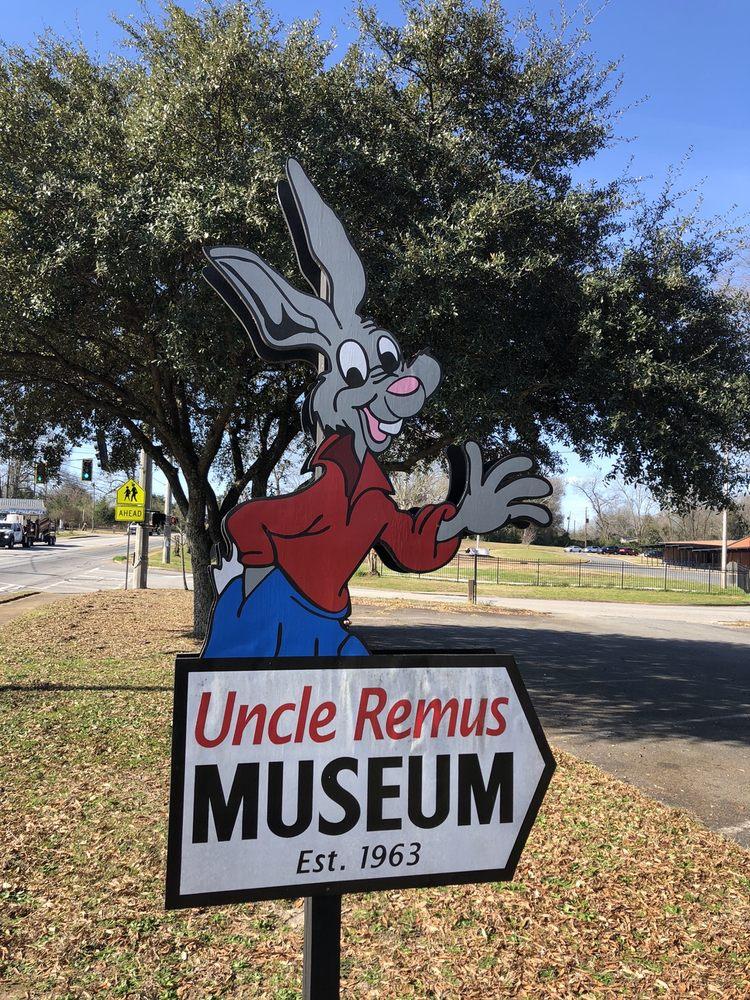 Uncle Remus Museum: 214 S Oak St, Eatonton, GA