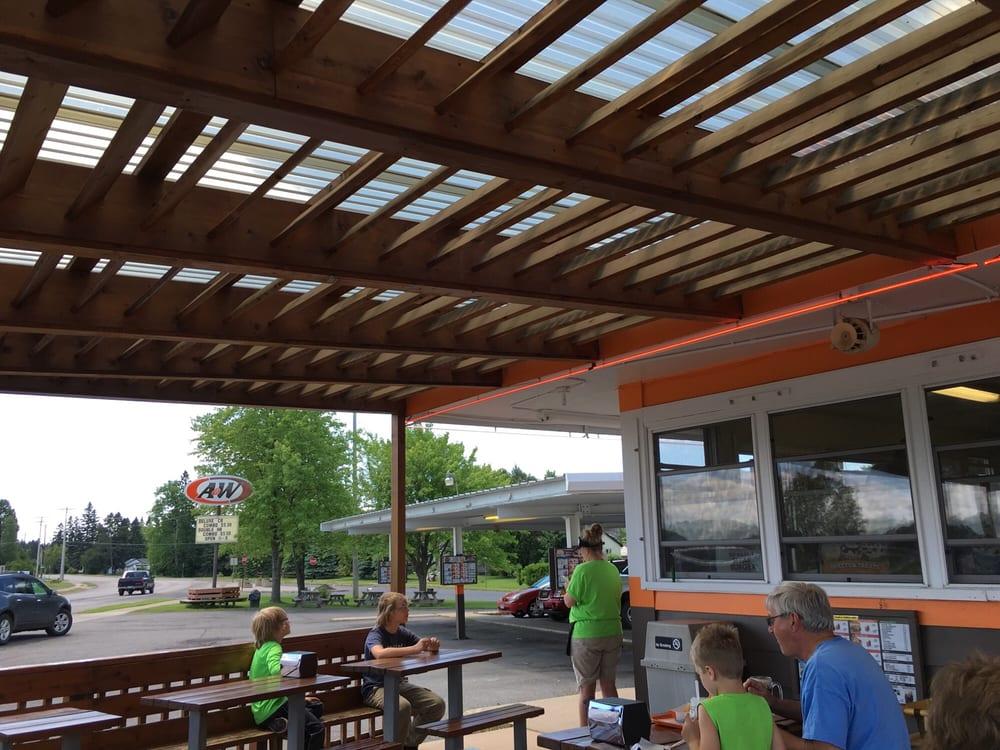 A & W - Aurora: 103 Main St S, Aurora, MN