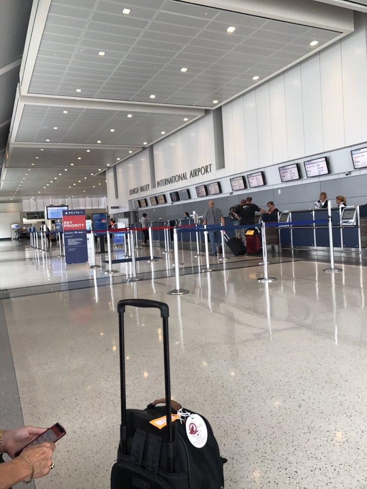 Lehigh Valley International Airport: 3311 Airport Rd, Allentown, PA
