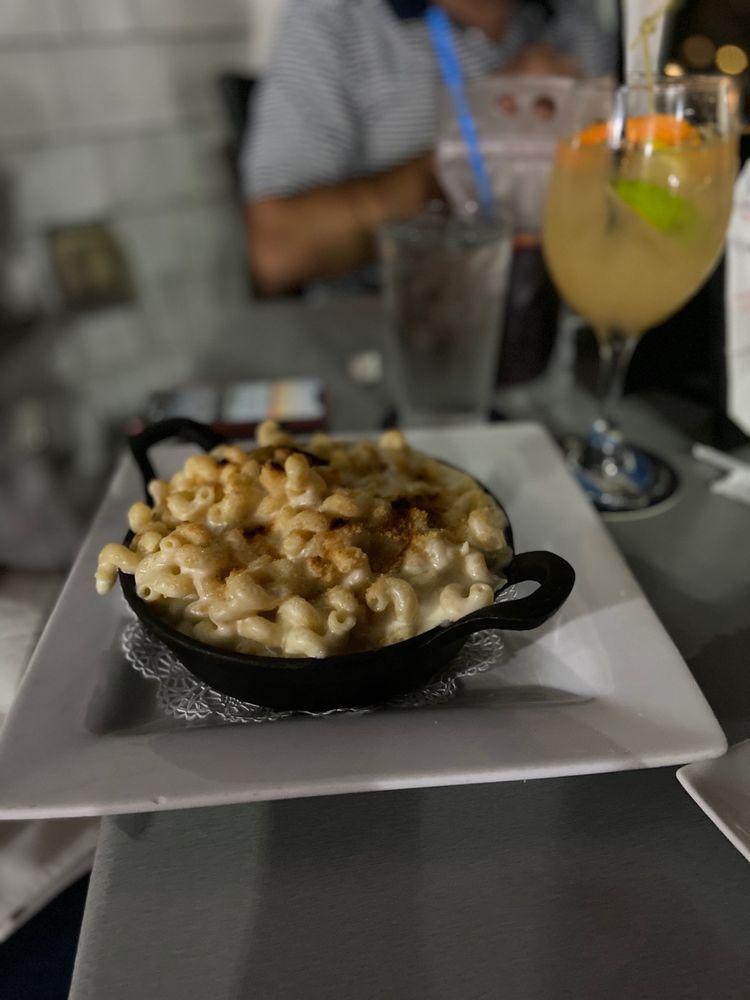 Bay Pointe Waterfront Restaurant: 64 Washington Ct, Quincy, MA