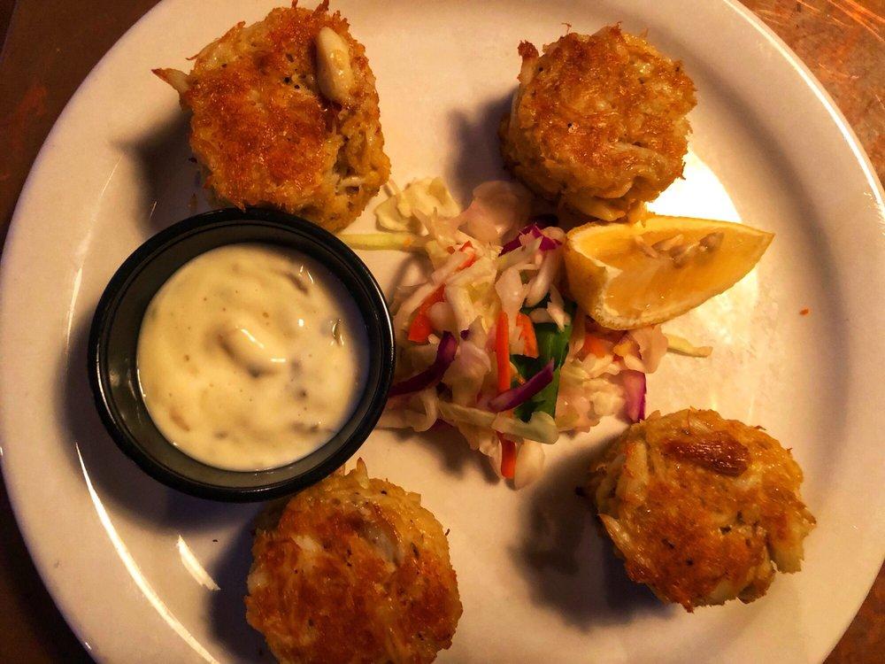 Awful Arthur's Seafood Company: 402 S Talbot St, Saint Michaels, MD