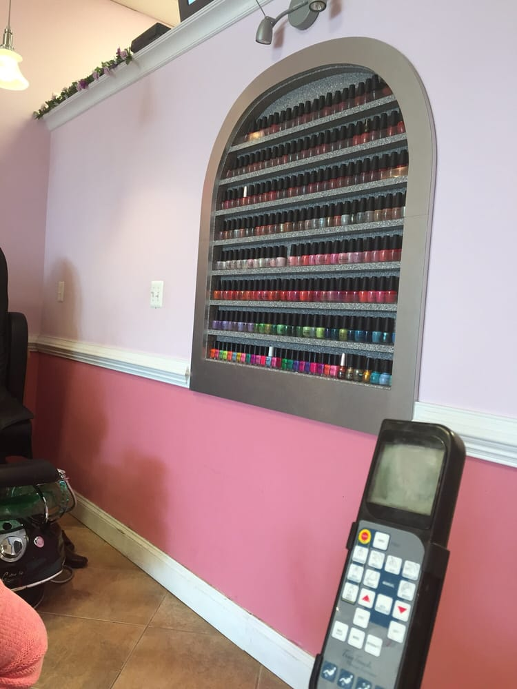 Ashburn Nails: 44031 Ashburn Shopping Plz, Ashburn, VA