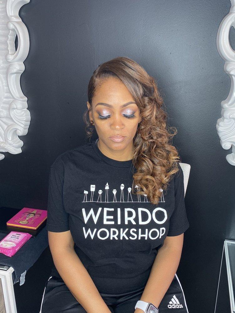 Nettie Kelley Makeup Lounge: 1145 N Hwy 67, St. Louis, MO