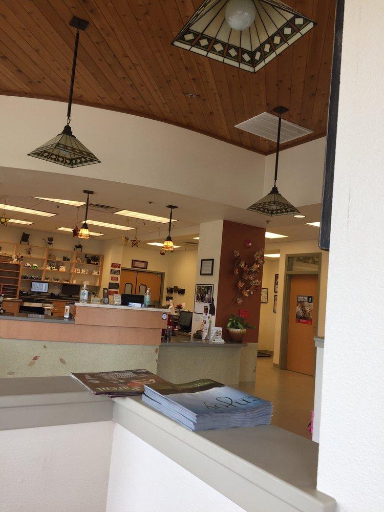 Anderson Veterinary Clinic: 3100 W Center St, Anderson, CA