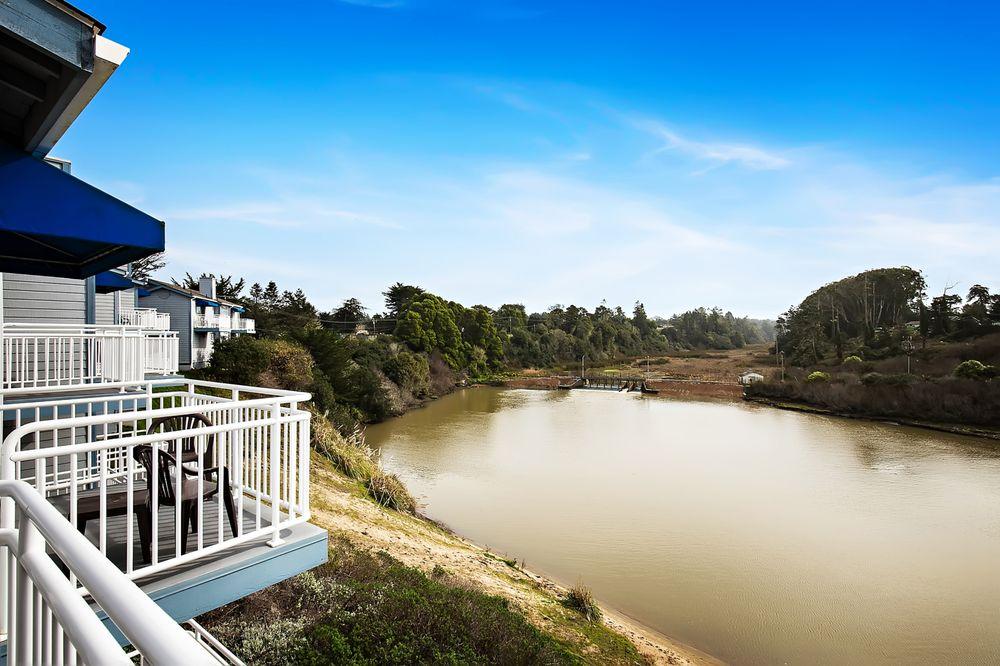 Beach House Inn: 100 Pudding Creek Rd, Fort Bragg, CA
