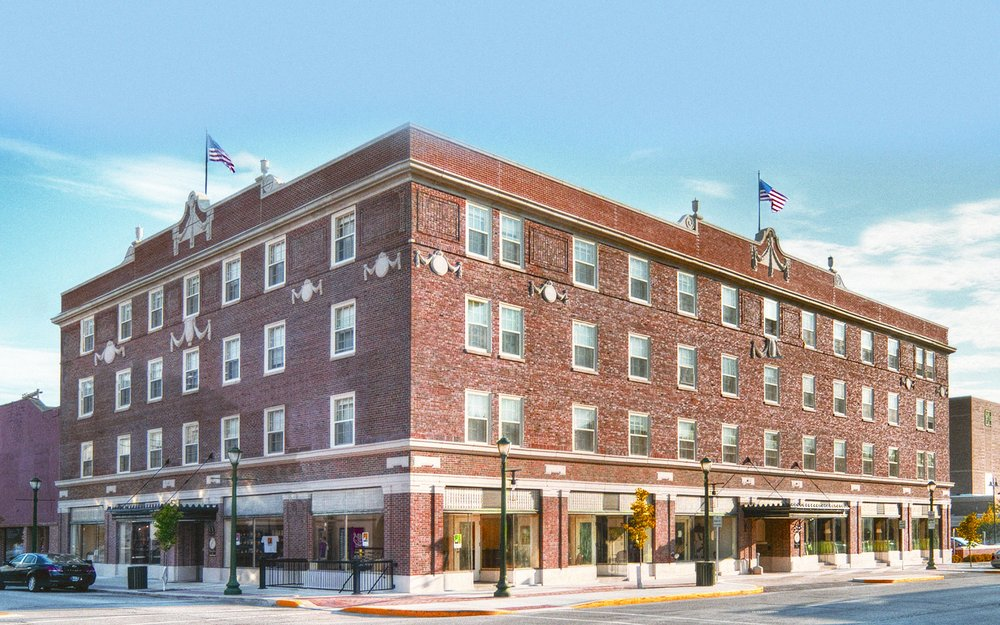 Charley Creek Inn: 111 West Market St, Wabash, IN