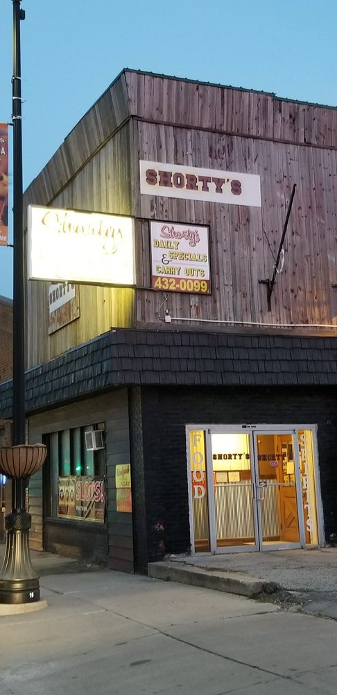 Shorty's: 1144 E Walnut St, Watseka, IL