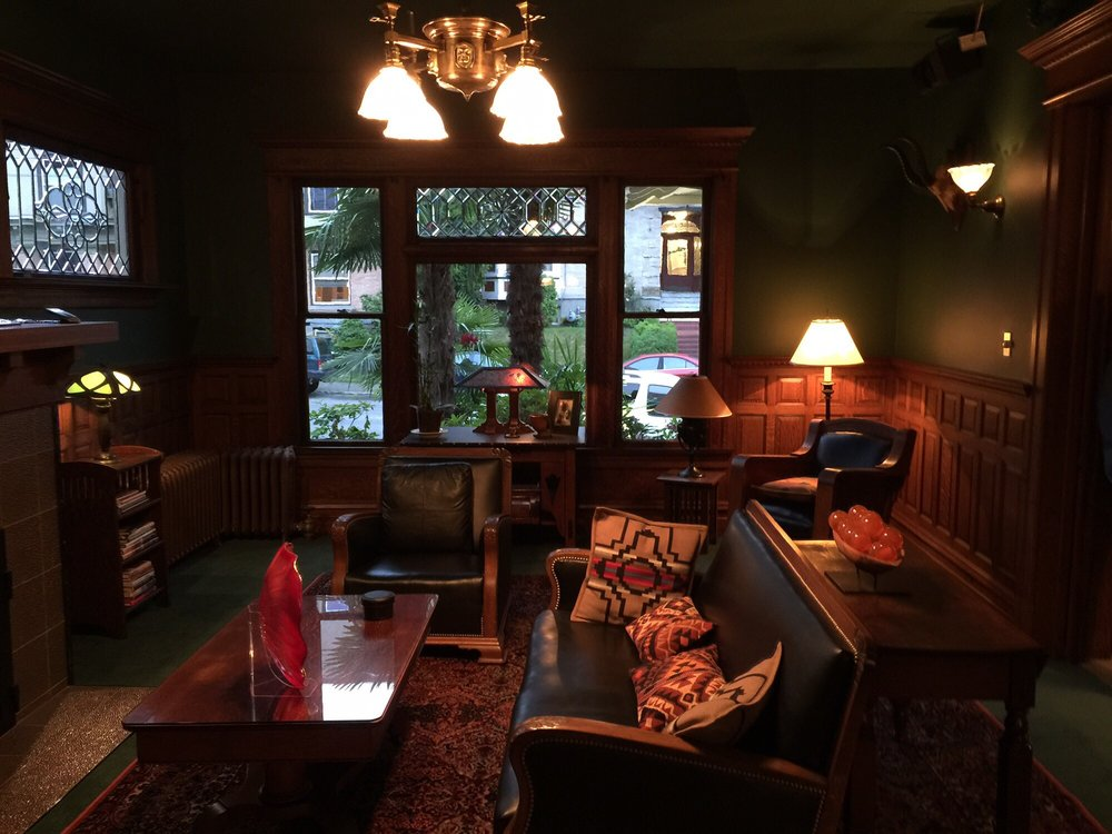 Gaslight Inn: 1727 15th Ave, Seattle, WA