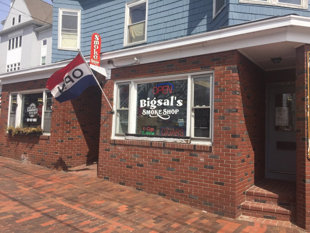 Big Sal's Smoke Shop: 50 Old Orchard St, Old Orchard Beach, ME