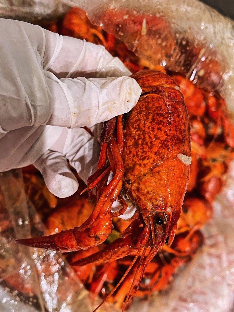 V's Crawfish: 6810 S Texas 6, Houston, TX