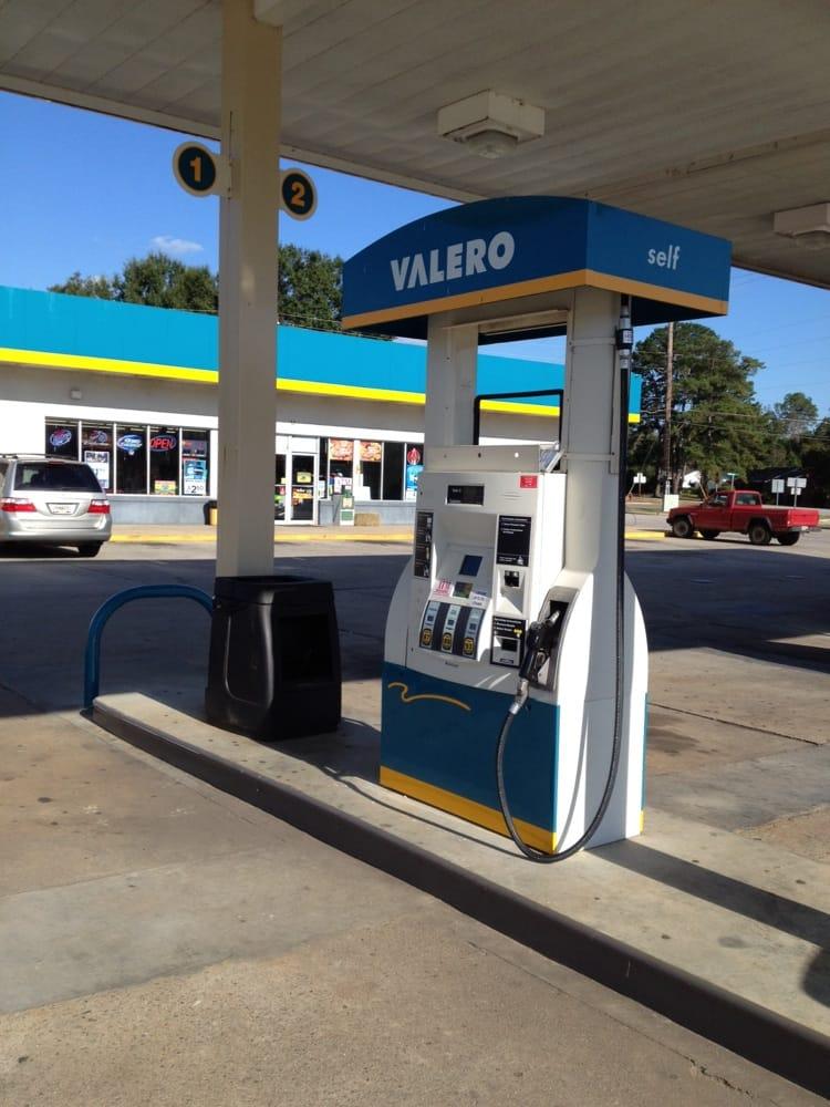 Valero: 101 N US Bypass N, Louisville, GA