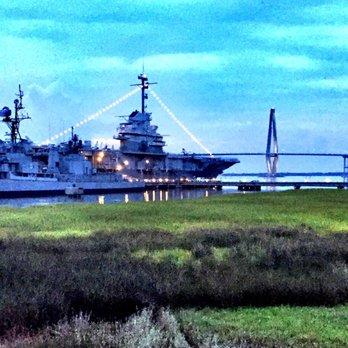 Charleston harbor fish house 160 foton 243 recensioner for Charleston harbor fish house