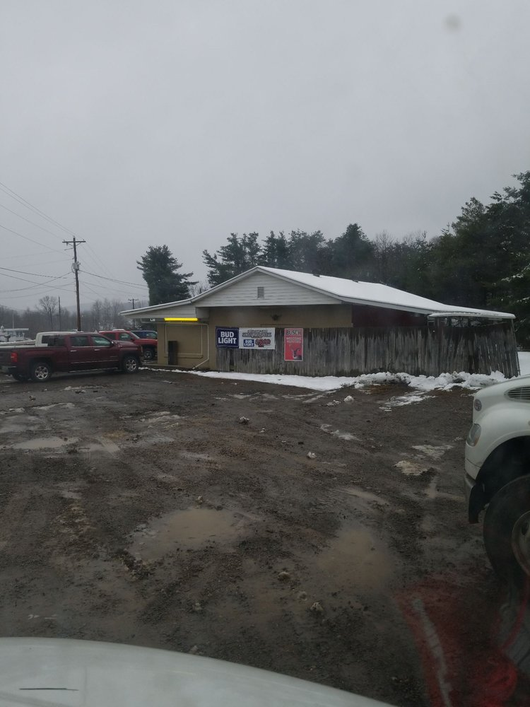 Mike's Restaurant Lounge: 2862 Route 38, Emlenton, PA
