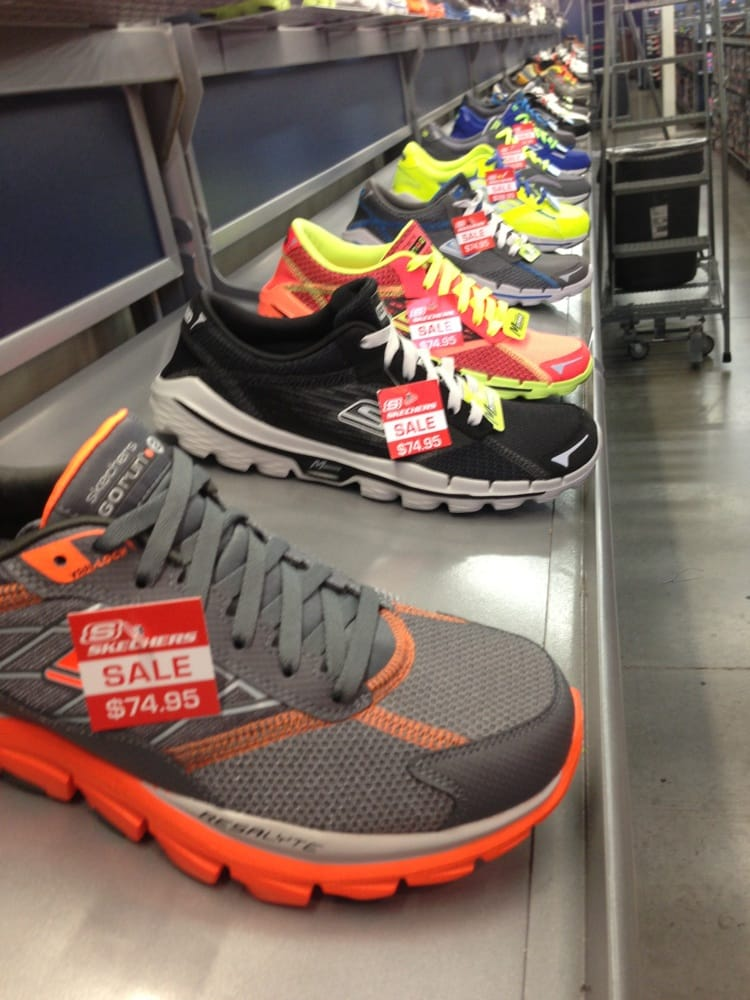 Sketchers USA: 5001 E Expy 83, Mercedes, TX