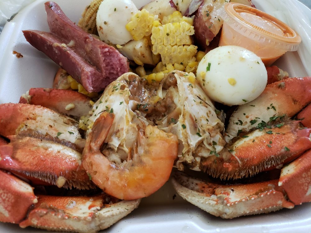 Tiny's House of Crabs: 4922 Kitsap Way, Bremerton, WA
