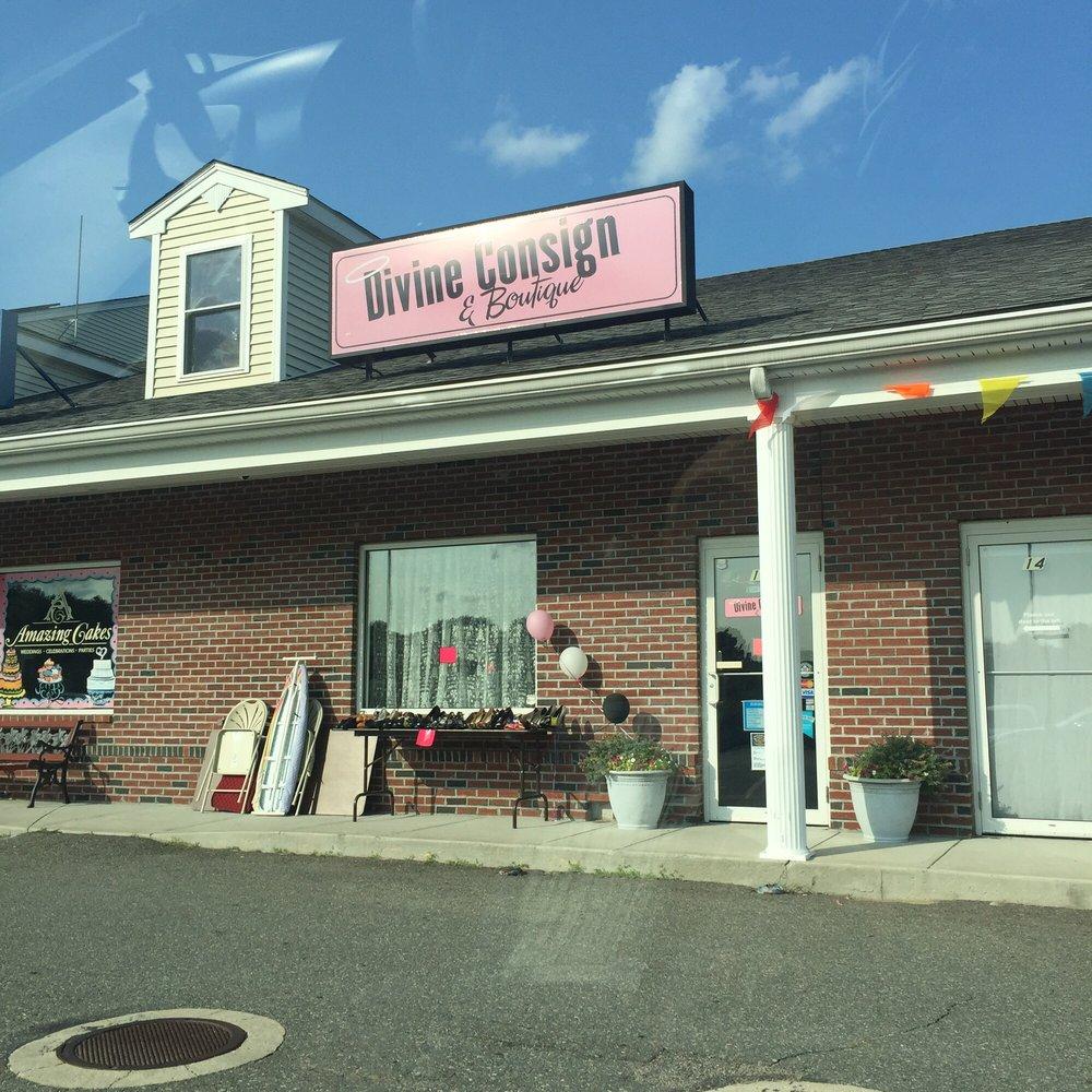 Divine Consign & Boutique: 54 Main St, Lakeville, MA