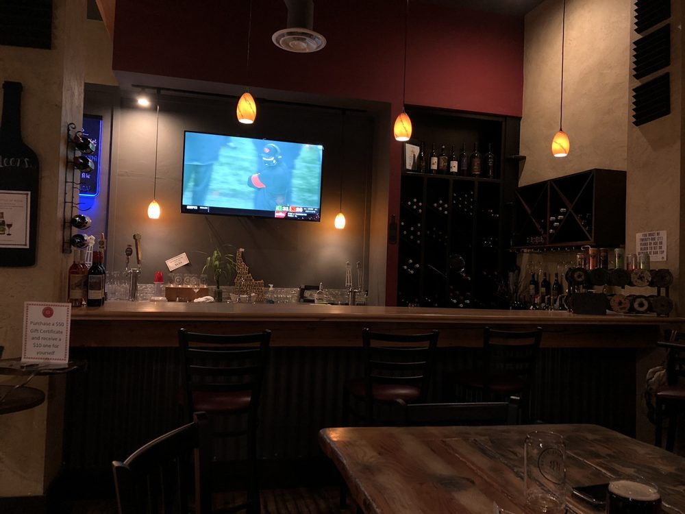 The Beardmore Bistro Wine Bar & Tap House: 119 Main St, Priest River, ID