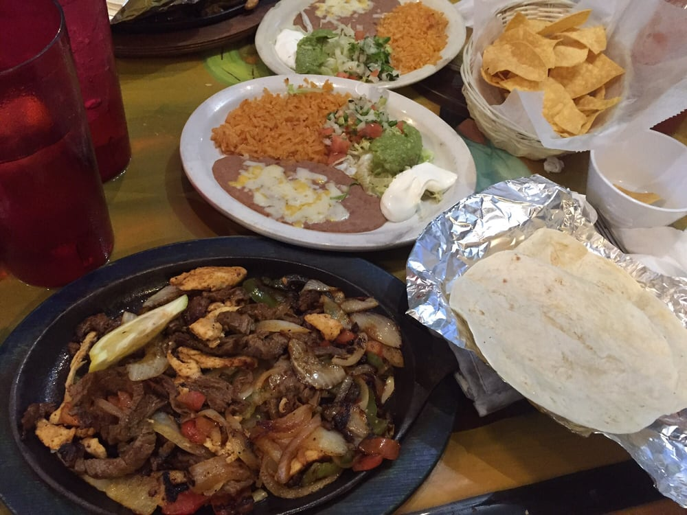 El Patio: 5417 University Pkwy, Natchitoches, LA