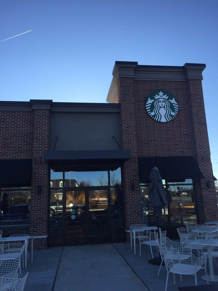 Starbucks - Leesburg Plaza: 526 E Market St, Leesburg, VA
