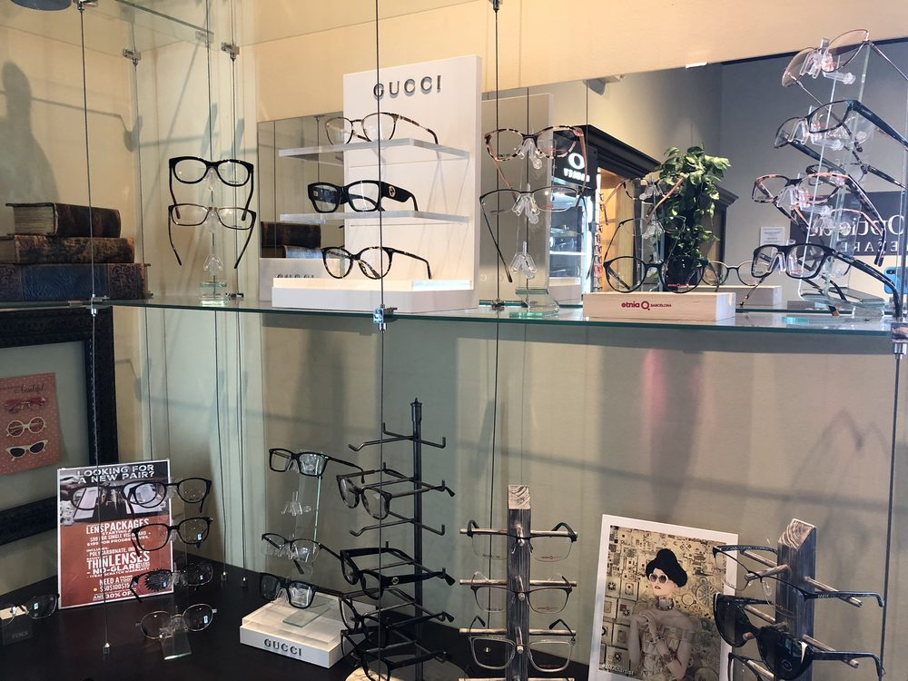 Visions Optique & Eyecare
