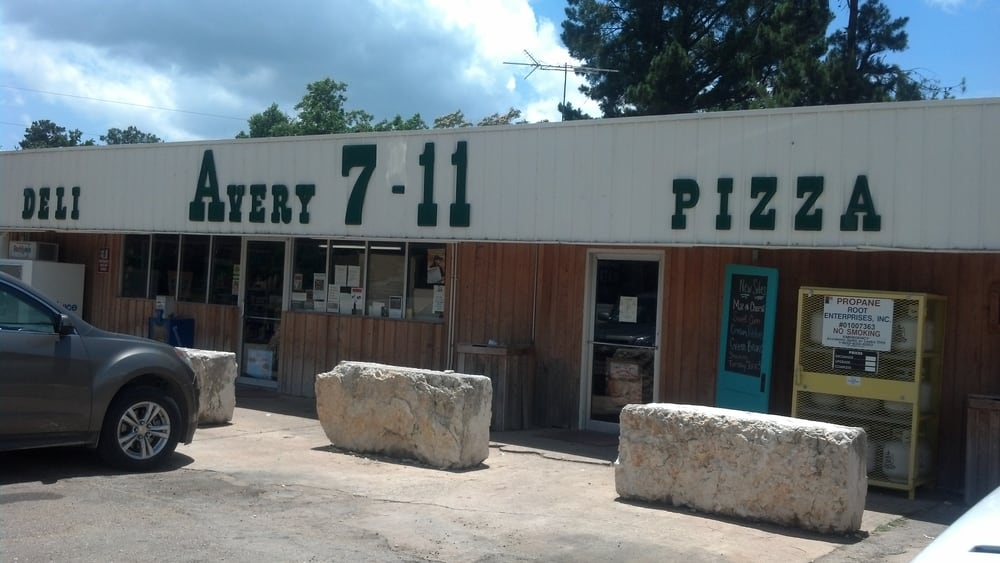 Avery 7-11: 155 US Hwy 82 E, Avery, TX